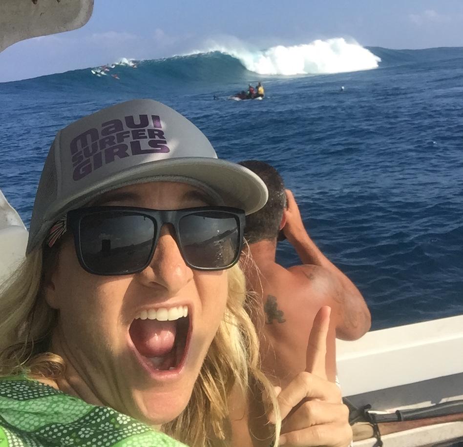 How to get a ride on boat Peahi Maui Jaws Maui