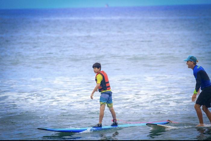 Sharky maui surf lessons autism autistic special needs surf lessons maui autism