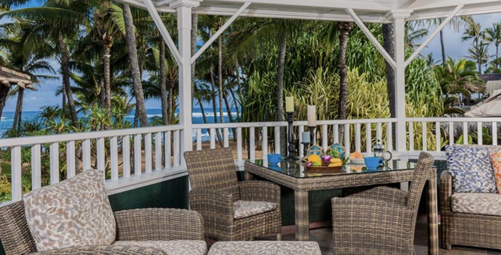 Maui North Shore Hotel