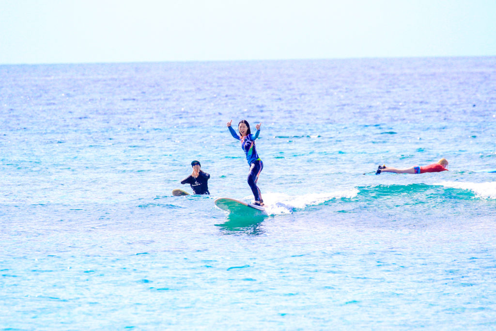 carole maui surf lesson female surf instructor surf camp experience